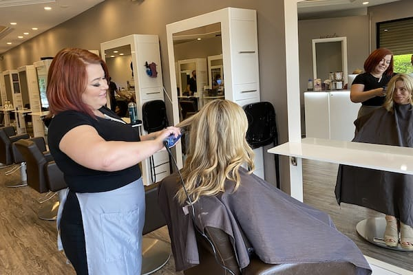 AMBER-HAIR-STYLIST-AT-SALON-MULBERRY-BEST-SALON-IN-NAPLES-1 Amber - Hair Salon Level 1 Stylist at Salon Mulberry in Naples Florida